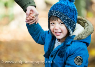 Wargrave woods - boy with a bubble-8762