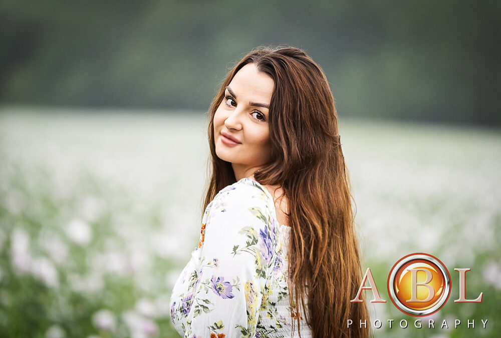 Photo-sessions in the beautiful poppy fields